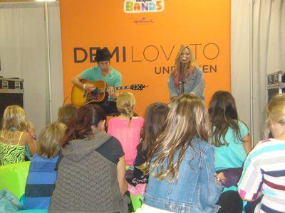 Demi Lovato 005