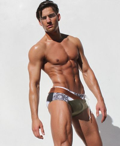 2013 swimsuit Logan_Taylor_Rufskin
